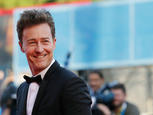 Che strana carriera, Edward Norton