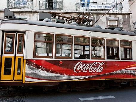 Per oltre 40 anni il Portogallo ha vietato la Coca-Cola: tutta colpa di Fernando Pessoa