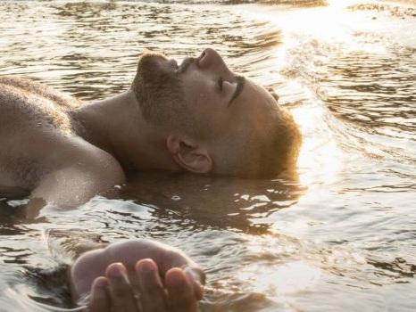 Libertà è il nuovo album di Rocco Hunt e arriva ad agosto