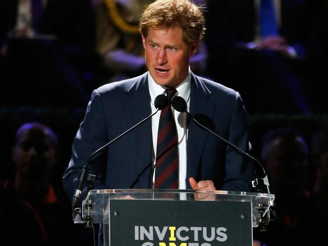 Cambio look per il Principe Harry: sempre più californiano?