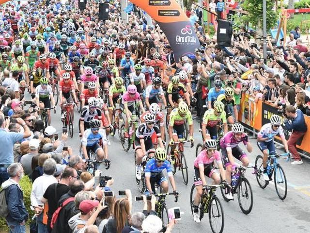 Si arriva al Gran Sasso La salita più lunga del Giro