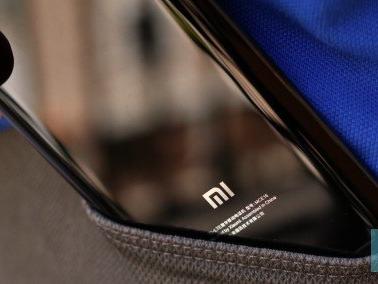 Xiaomi Mi 6 vs OnePlus 3T: generazioni diverse, prestazioni molto simili | Video