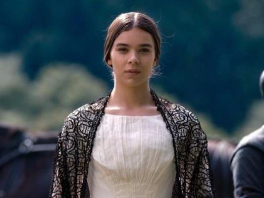 Emily Dickinson vuole infrangere le regole nel nuovo trailer della serie Apple TV+