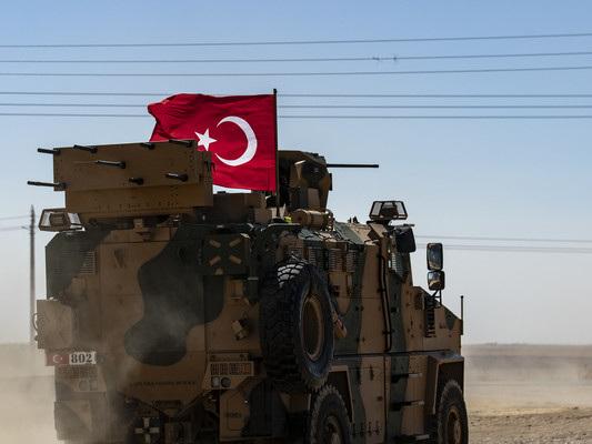 La Turchia si prepara a invadere la Siria. Trump dà l'ok all'operazione
