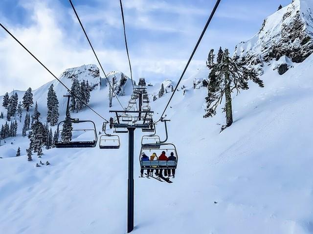"""Riapertura piste da sci: green pass obbligatorio. Si parte il 27 novembre. Failoni:""""Sci irrinunciabile"""""""
