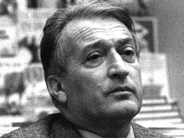 Gianni Rodari, il 23 ottobre è il centenario della sua nascita: biografia, opere e iniziative per ricordare il maggior favolista del Novecento