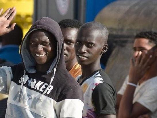 Nell'Ue 650mila richieste di asilo nel 2017, quasi dimezzate in un anno