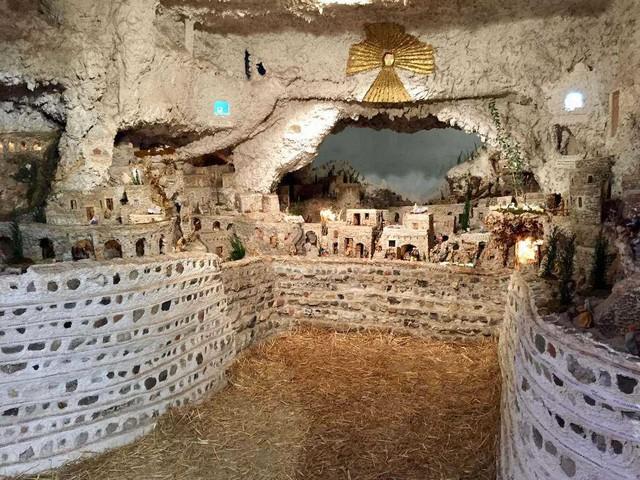 Il Presepe dei Netturbini a Roma: storia e curiosità del presepe più amato dai Papi