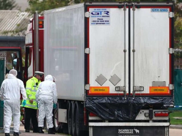 Inghilterra, cadaveri nel container: potrebbero essere morti per congelamento