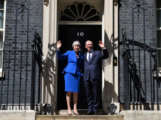 L'amaro addio di Theresa May a Downing Street