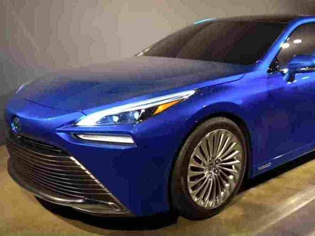 Toyota Mirai (a idrogeno): a Tokio debutta la seconda generazione