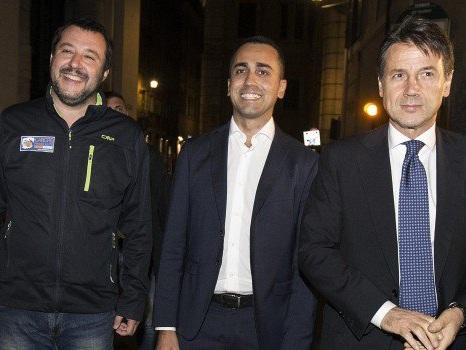 """Crisi di governo, il M5s chiude a Salvini: """"Si metta l'anima in pace"""""""