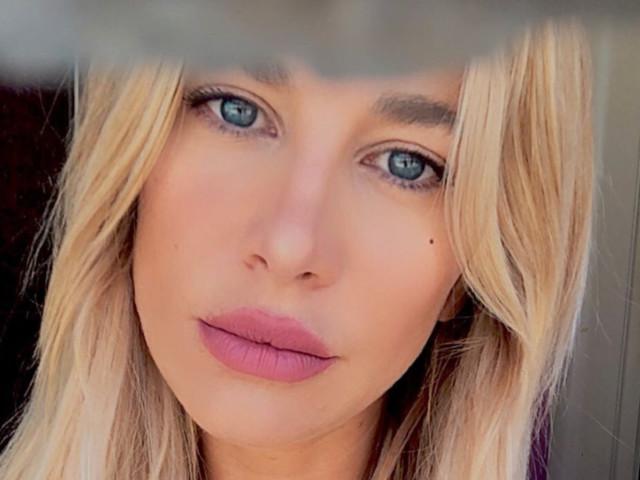 Clizia Incorvaia Ciavarro lascia la Sicilia, lei si 'consola' giocando a fare 'Barbie': «Wow… Pazzesca»