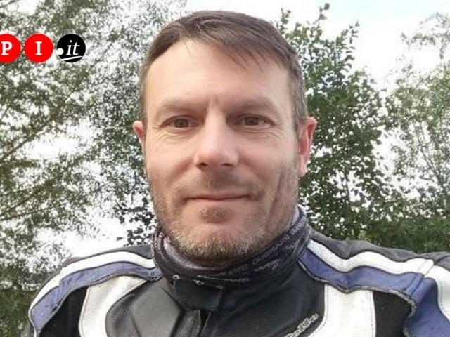 Muore dopo un incidente in moto, un passante riprende l'agonia e la pubblica in diretta Facebook