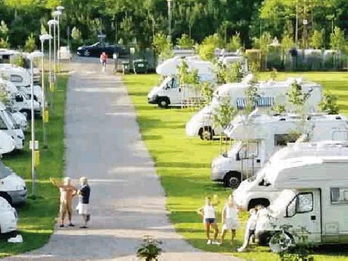Area camper solo per i termali Stop alle famiglie Rom