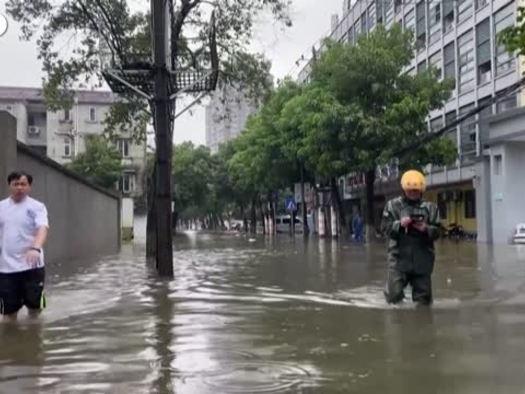 Cina, il tifone In-Fa inonda le citta' della costa
