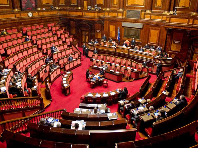 Mattarella firma, la manovra arriva in Senato