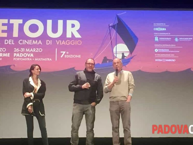 """Tra emozioni e ironia, Valerio Mastandrea conquista il pubblico di Abano con """"Ride"""", la sua opera prima da regista"""