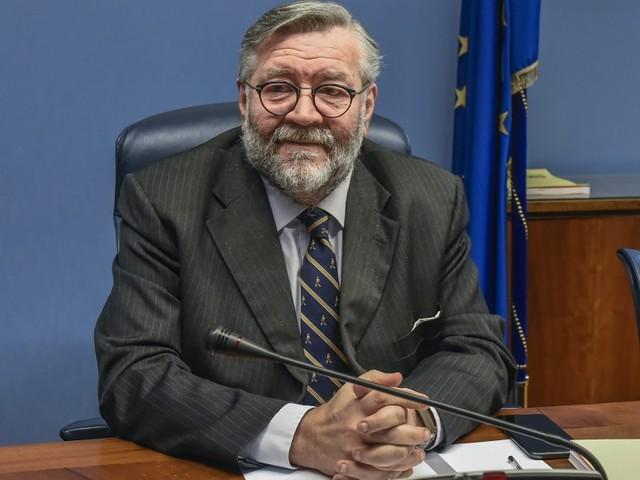 Italia nel mirino. L'appello di Volpi a difesa degli asset strategici