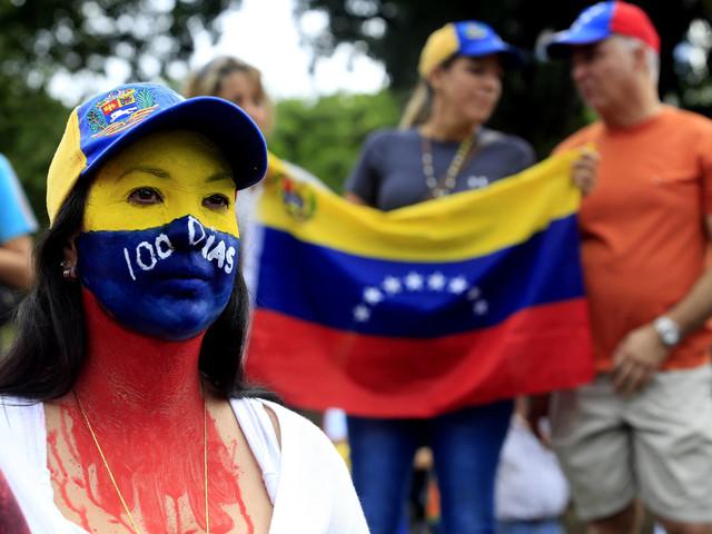 In Venezuela gli scontri tra gli indios e l'esercito. Un concerto per gli aiuti