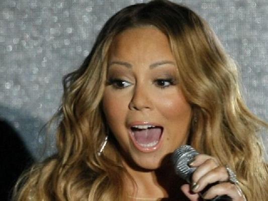 Mariah Carey annulla gli show di Natale per infezione alle vie respiratorie