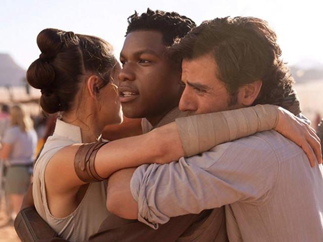 Star Wars: L'ascesa di Skywalker, il nuovo video promo celebra l'intera saga e svela 2 sorprendenti camei