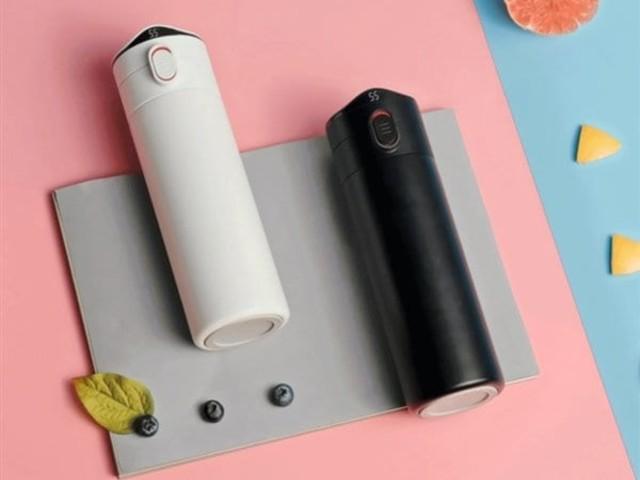 L'ultimo gadget Xiaomi è un attraente thermos con tanto di termometro! (foto)