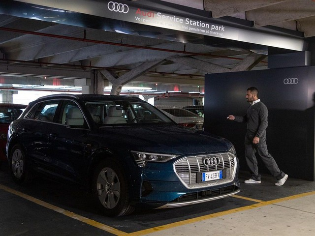 Audi: debutta all'aeroporto di Bologna la manutenzione mentre si viaggia in aereo