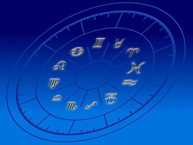Oroscopo di oggi: previsioni astrali segno per segno