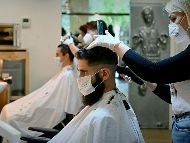 Rischio zona rossa: parrucchieri aperti domenica a Forlimpopoli