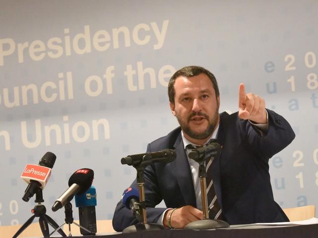 """Schiaffo di Bruxelles a Salvini: """"La Libia non è un posto sicuro"""""""