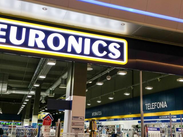 """Volantino Euronics """"Speciale Telefonia"""": regali con gli smartphone fino al 1° agosto (foto)"""