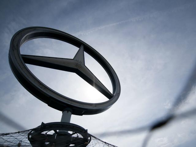 Daimler abbandona lo sviluppo del motore a combustione interna