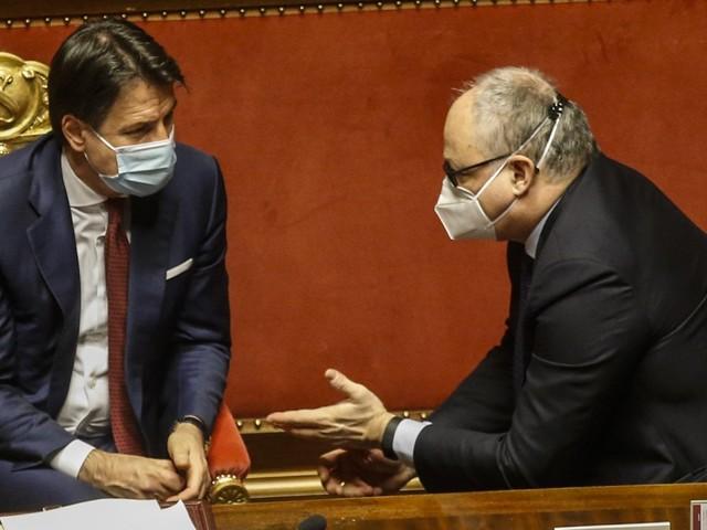 """Governo, Zingaretti: """"Provocare una crisi è un grosso errore politico"""". Alle 21.30 il cdm per dare l'ok al Recovery plan"""