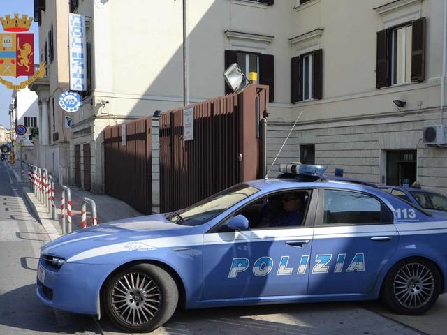 Polizia: maxi controlli in città