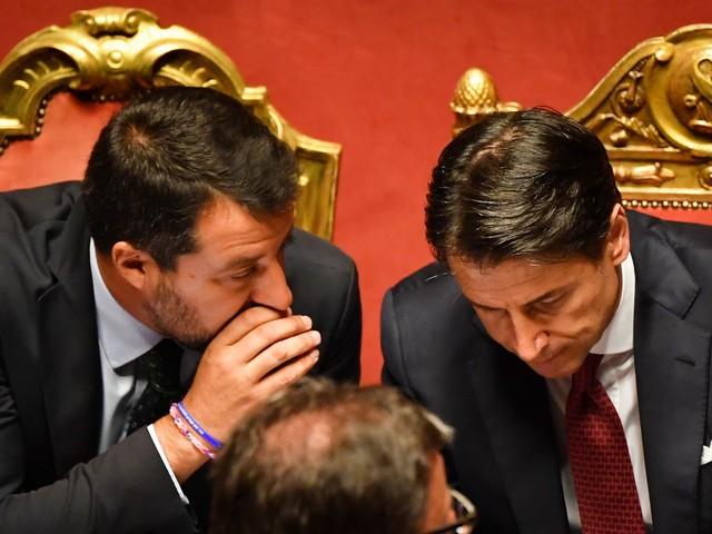 Quel brutto sospetto su Conte: ha venduto Salvini agli 007 Usa