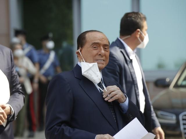 Indennizzi e niente tasse. I paletti di Berlusconi per il dialogo sul bilancio