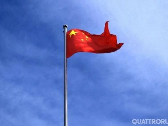 La guerra dei dazi - La Cina ripristina le tariffe doganali sulle auto Usa