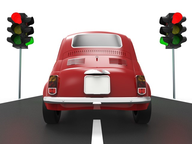 Semafori: multe automatiche anche se superi di poco la striscia