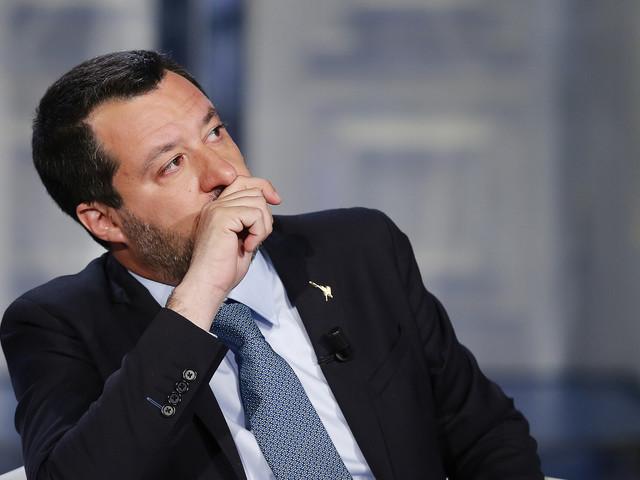 """""""Troppi casi"""", """"Pensi ai suoi di sindaci"""": è lite Salvini-Mastella"""