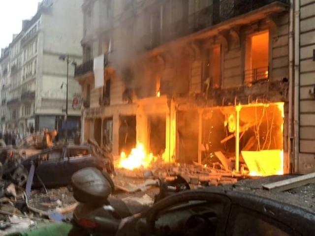 """Esplosione Parigi, il racconto dei drammatici istanti: """"Catapultato dalla camera al bagno"""""""