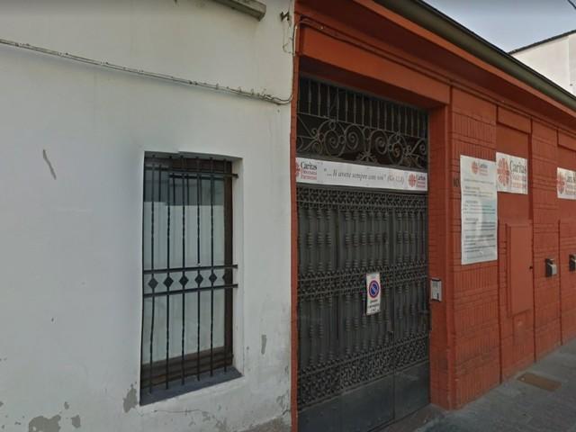 Parma, aggredisce volontario e agenti: preso pregiudicato clandestino