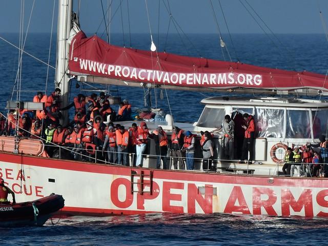 """Open Arms e il rifiuto a Malta: """"Vanno sbarcati tutti i 160"""""""