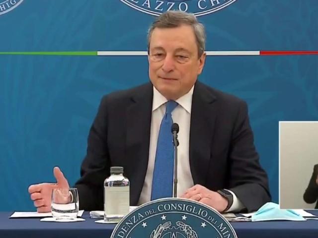 Coronavirus, l'Italia verso la riapertura: le parole di Mario Draghi e Roberto Speranza in conferenza