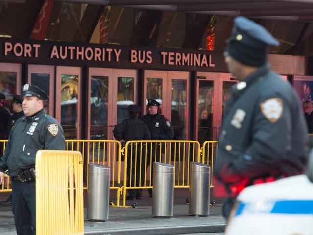 Esplosione a Port Authority a New York. Ferito l'attentatore, originario del Bangladesh