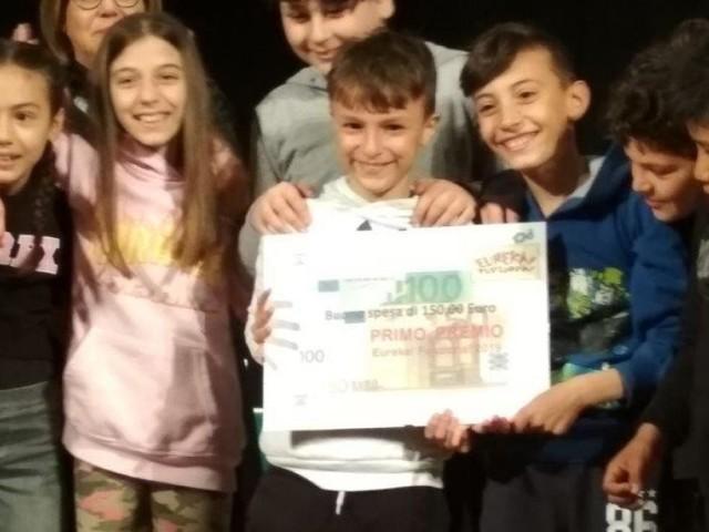 """Macerata, progetto """"Eureka! Funziona!"""" sulle orme di Leonardo: premiati gli alunni della Scuola Primaria (FOTO)"""