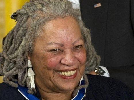 È morta Toni Morrison: fu prima afroamericana a ricevere il Nobel