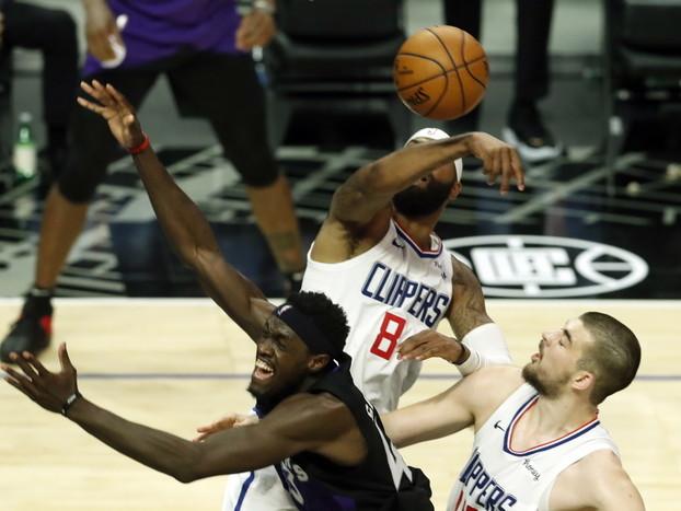 Basket: Nba; Nets ancora ko con Bucks, Hornets verso playoff