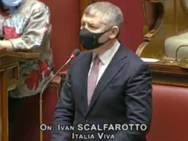 "Scalfarotto, video discorso Camera/ ""Conte zio manzoniano. M5s? Era con gilet gialli"""