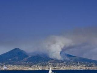 Causò incendio su Vesuvio, arrestato 24enne